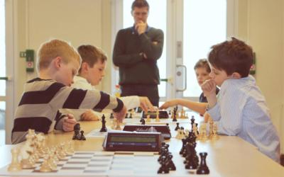 Unge sjakktalenter møttes til dyst